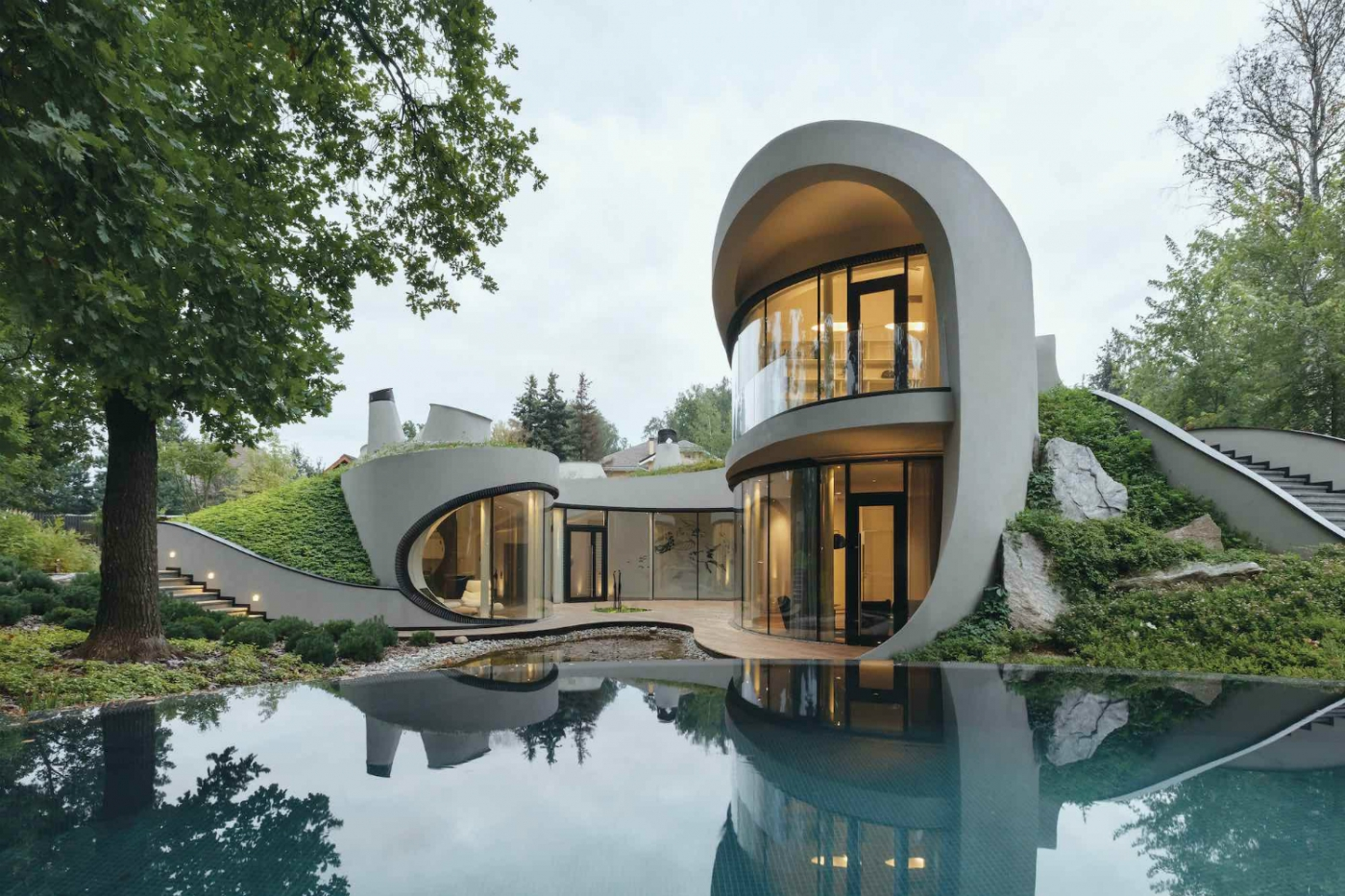 Organic-Meets-Futuristic-Design-House-in-The-Landscape-feature-1400x933